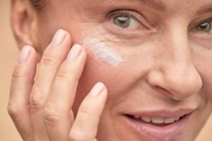 Massaging your face tips aging well