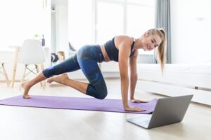 how to work the lower body by fitness mouvement