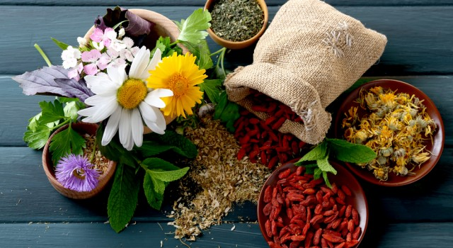 How to compose your natural home pharmacy: the essentials